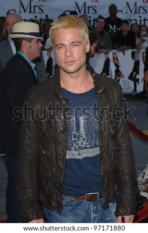 Actor BRAD PITT at the world premiere of his new movie Mr & Mrs Smith. June 7, 2005 Los Angeles, CA.  2005 Paul Smith / Featureflash
