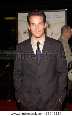 Actor COLE HAUSER at the Los Angeles premiere of White Oleander. 08OCT2002.   Paul Smith / Featureflash