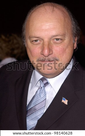 Actor DENNIS FRANZ at the 53rd Annual Primetime Emmy Awards in Century City, California. 04NOV2001.  Paul Smith/Featureflash