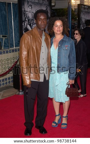 Actor DON CHEADLE & wife at the Los Angeles premiere of his new movie Swordfish. 04JUN2001.   Paul Smith/Featureflash