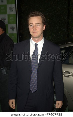 Actor EDWARD NORTON at the 13th Annual Environmental Media Awards in Los Angeles. November 5, 2003  Paul Smith / Featureflash