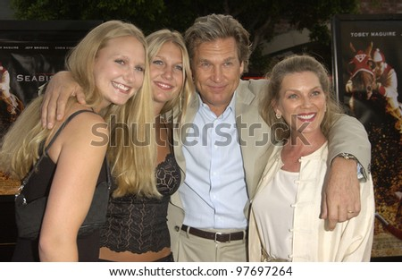 Actor JEFF BRIDGES & wife SUSAN (right) & daughters HAYLEY (left) & JESSIE at the world premiere, in Los Angeles, of his new movie Seabiscuit. July 22, 2003  Paul Smith / Featureflash