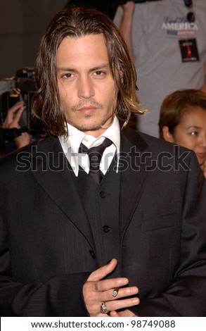 Actor JOHNNY DEPP at the Los Angeles premiere of his new movie From Hell. 17OCT2001  Paul Smith/Featureflash - stock photo