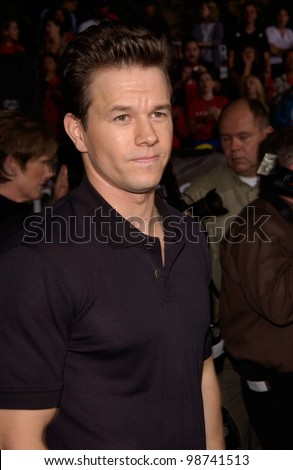 Actor MARK WAHLBERG at the Los Angeles premiere of his new movie Rock Star. 04SEP2001.   Paul Smith/Featureflash