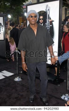 Actor SAMUEL L. JACKSON at the Los Angeles premiere of Men in Black II. 26JUN2002.  Paul Smith / Featureflash - stock photo