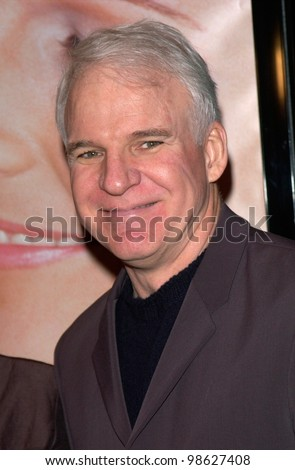 Actor STEVE MARTIN at the world premiere, in Los Angeles, of What Women Want. 13DEC2000.   Paul Smith / Featureflash - stock photo