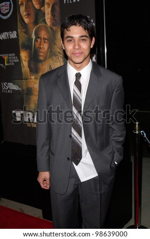 Actor WILMER VALDERAMA at the Los Angeles premiere of Traffic. 14DEC2000.   Paul Smith / Featureflash