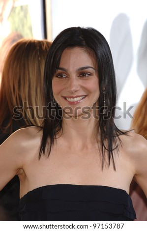 Actress ANNIE PARISSE at the Los Angeles premiere for her new movie Monster in Law. April 29, 2005 Los Angeles, CA.  2005 Paul Smith / Featureflash
