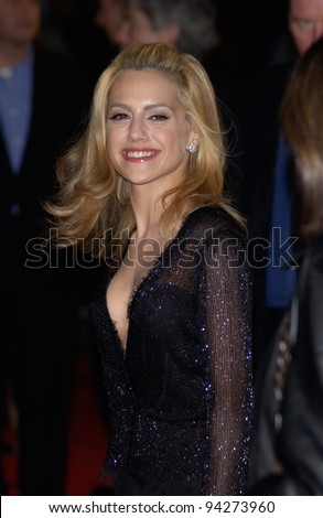 Actress BRITTANY MURPHY at the world premiere of her new movie 8 Mile, in Los Angeles. 06NOV2002.   Paul Smith / Featureflash