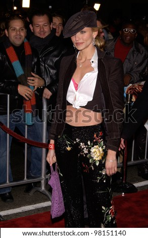 Actress CAMERON DIAZ at the world premiere, in Hollywood, of Vanilla Sky. 10DEC2001.   Paul Smith/Featureflash - stock photo
