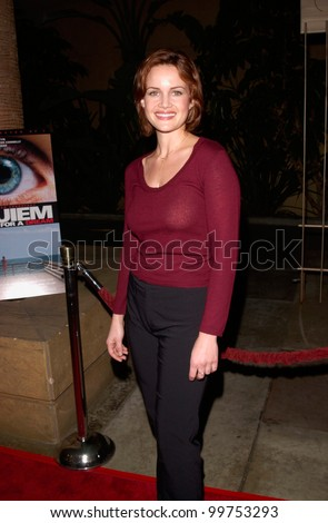 Actress CARLA GUGINO at the Los Angeles premiere, in Hollywood, of Requiem For A Dream. 16OCT2000.   Paul Smith / Featureflash