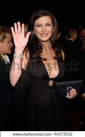 Actress CATHERINE ZETA-JONES at the Los Angeles premiere of her new movie Chicago. 10DEC2002.   Paul Smith / Featureflash - stock photo