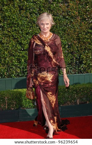 Actress CLORIS LEACHMAN at the Creative Arts Emmy Awards in Los Angeles. September 11, 2005; Los Angeles, CA:    Paul Smith / Featureflash