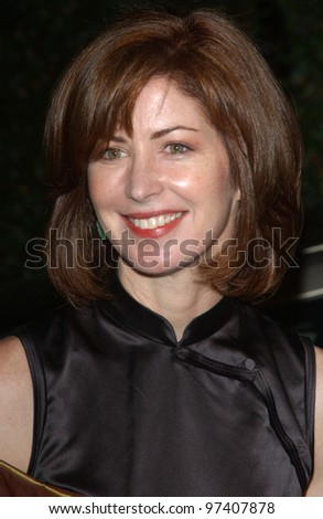 Actress DANA DELANEY at the 13th Annual Environmental Media Awards in Los Angeles. November 5, 2003  Paul Smith / Featureflash