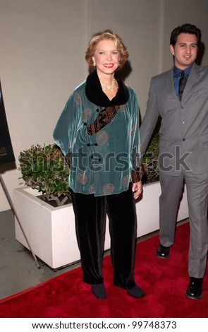 Actress ELLEN BURSTYN at the Los Angeles premiere of her new movie The Yards. 18OCT2000.   Paul Smith / Featureflash