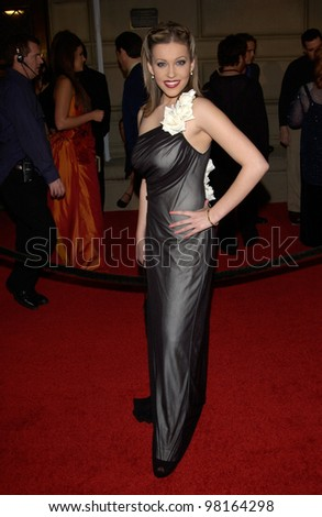 Actress FARAH FATH at the 28th Annual People's Choice Awards in Pasadena. 13JAN2002.  Paul Smith/Featureflash