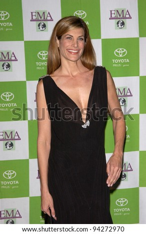 Actress HILARY SHEPARD at the 12th Annual Environmental Media Awards in Los Angeles.  20NOV2002.   Paul Smith / Featureflash