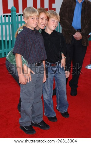 Actress JANE SEYMOUR & sons at the world premiere of Walt Disney's Chicken Little at the El Capitan Theatre, Hollywood. October 30, 2005 Los Angeles, CA  2005 Paul Smith / Featureflash - stock photo