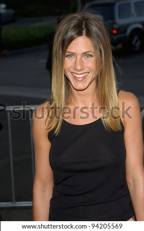 Actress JENNIFER ANISTON at the Los Angeles premiere of her new movie The Good Girl. 07AUG2002.   Paul Smith / Featureflash - stock photo