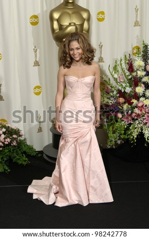 Actress JENNIFER LOPEZ at the 74th Annual Academy Awards in Hollywood. 24MARR2002.   Paul Smith / Featureflash - stock photo