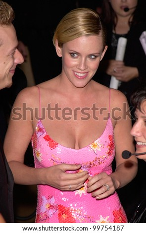 Actress JENNY McCARTHY at the Carousel of Hope Ball 2000 at the Beverly Hilton Hotel. 28OCT2000.   Paul Smith / Featureflash