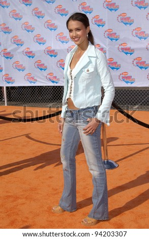 Actress JESSICA ALBA at Nickelodeon's 15th Annual Kids Choice Awards in Santa Monica.  20APR2002.  Paul Smith / Featureflash
