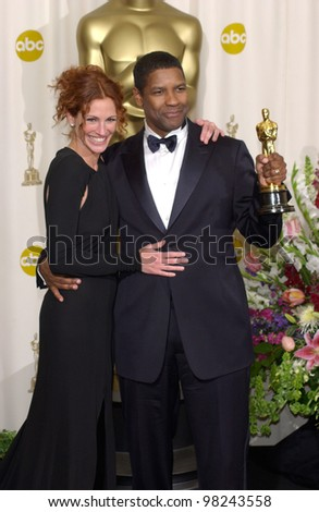 Actress JULIA ROBERTS & actor DENZEL WASHINGTON at the 74th Annual Academy Awards in Hollywood. 24MARR2002.   Paul Smith / Featureflash - stock photo