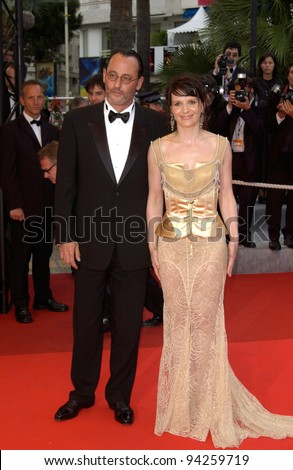 Actress JULIETTE BINOCHE & actor JEAN RENO at the premiere of Punch-Drunk Love which is in competition at the Cannes Film Festival. 19MAY2002.   Paul Smith / Featureflash - stock photo