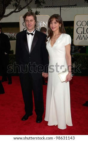 Actress LENA OLIN & director  LASSE HALLSTROM at the 2001 Golden Globe Awards at the Beverly Hilton Hotel. 21JAN2001.   Paul Smith/Featureflash