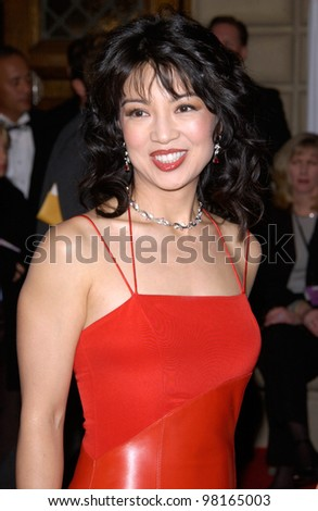 Actress MING-NA WEN at the 28th Annual People's Choice Awards in Pasadena. 13JAN2002.  Paul Smith/Featureflash