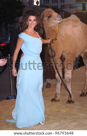 Actress PENELOPE CRUZ at the Los Angeles premiere of her new movie Sahara, at the Grauman's Chinese Theatre, Hollywood. April 04, 2005  Los Angeles, CA.  2005 Paul Smith / Featureflash - stock photo