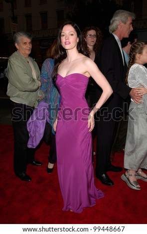 Actress ROSE McGOWAN at the world premiere, in Hollywood, of Ready to Rumble.