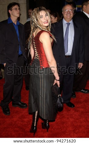 Actress SAM DOMIT at the Los Angeles premiere of her new movie The Hot Chick. 02DEC2002.   Paul Smith / Featureflash