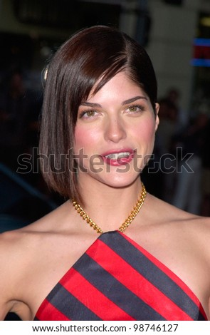 Actress SELMA BLAIR at the world premiere, in Los Angeles, of her new movie Legally Blonde. 26JUN2001.  Paul Smith/Featureflash