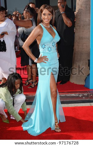 Actress VIVICA A. FOX at the 2005 BET (Black Entertainment Television) Awards at the Kodak Theatre, Hollywood. June 28, 2005 Los Angeles, CA  2005 Paul Smith / Featureflash