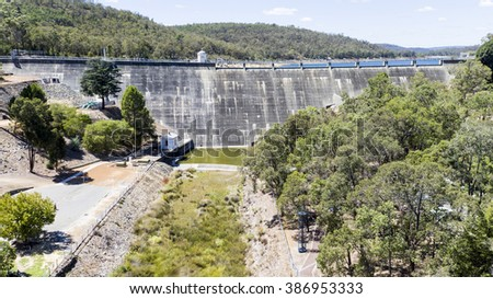 Aerial of Mundaring Weir taken directly infront of dam.