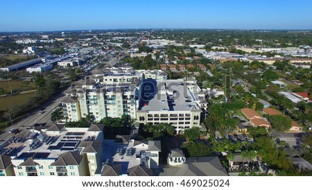 Aerial view of Fort Lauderdale homes.