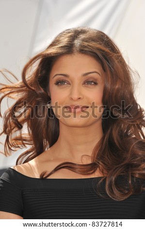 "Aishwarya Rai Bachchan at photocall for her new movie ""Raavan"" at the 63rd Festival de Cannes. May 17, 2010  Cannes, France Picture: Paul Smith / Featureflash"