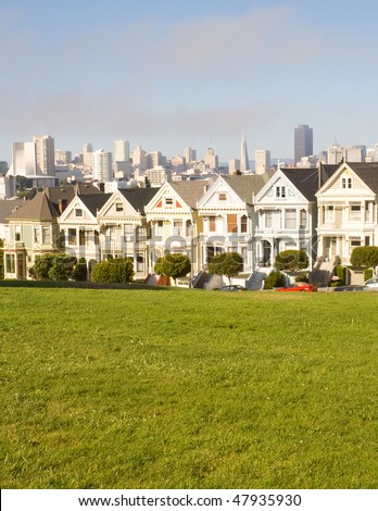 Alamo Square, Painted Ladies and San Francisco Skyline