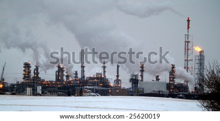 Alberta petrochemical refineries on the east side of Edmonton are some of the most modern & largest in the world and bullt to handle oil sands products - stock photo
