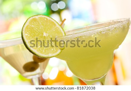 alcohol margarita cocktail with lime - stock photo
