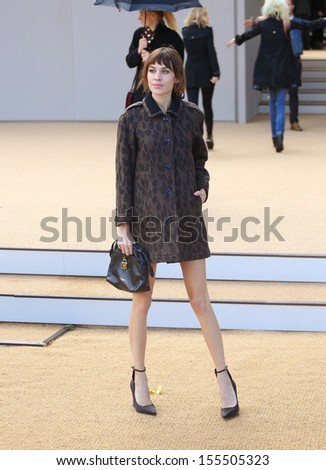 Alexa Chung at London Fashion Week SS14  - Burberry Prorsum s/s 2014 - Arrivals, London. 16/09/2013