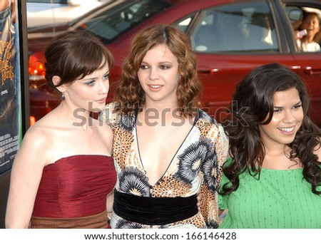 Alexis Bledel, Amber Tamblyn and America Ferrera at Sisterhood of the Traveling Pants Premiere, Grauman's Chinese Theatre, Los Angeles, CA, Tuesday, May 31, 2005