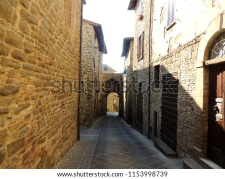 stock-photo-alley-in-bettona-umbria-ital