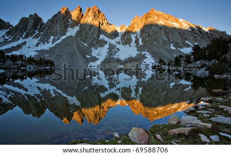 Alpen Glow at Sunset hits the Kearsarge Pinnacles in the Sierra Nevada