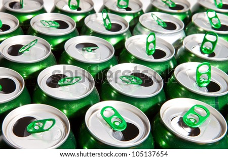 Aluminum cans  with keys