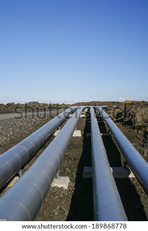Aluminum pipes for transporting energy in rugged landscape