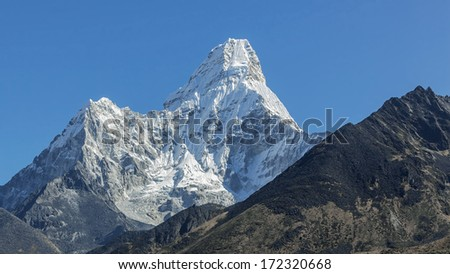 Ama Dablam (6812 m) in the first light of the Sun (view from Tengboche monastery) - Everest region, Nepal, Himalayas