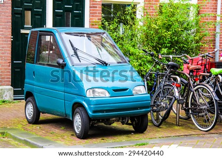 Tiny Car Stock Images Royalty Free Images Vectors Shutterstock