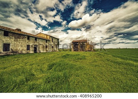 ancient country ruined house in the countryside of Romagna